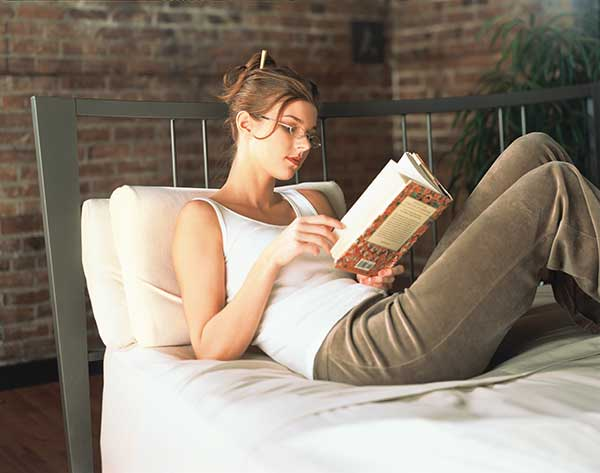 LS_GIRL_READING